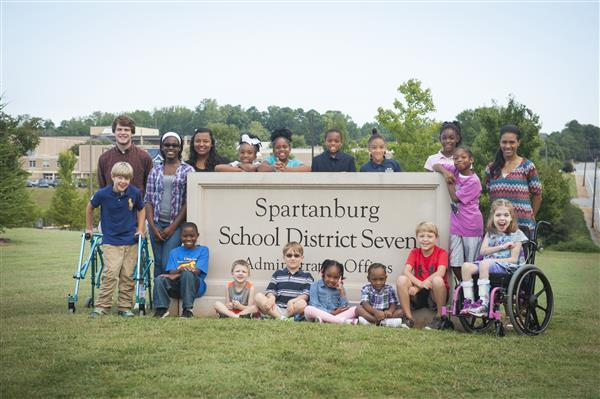 District 7 children